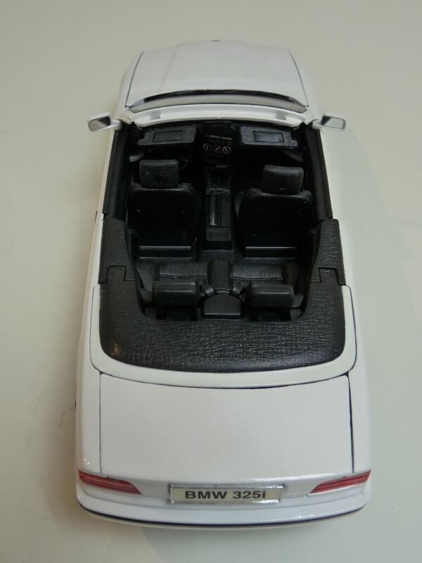 BMW 325i Convertible - 1993 - Maisto 1/18 ème Bmw_3222