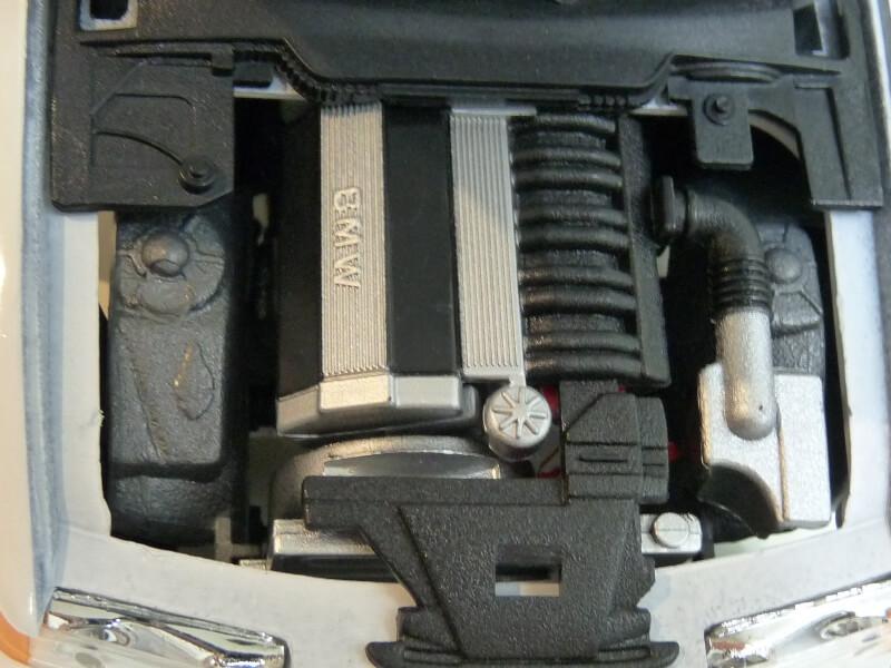 BMW 325i Convertible - 1993 - Maisto 1/18 ème Bmw_3223