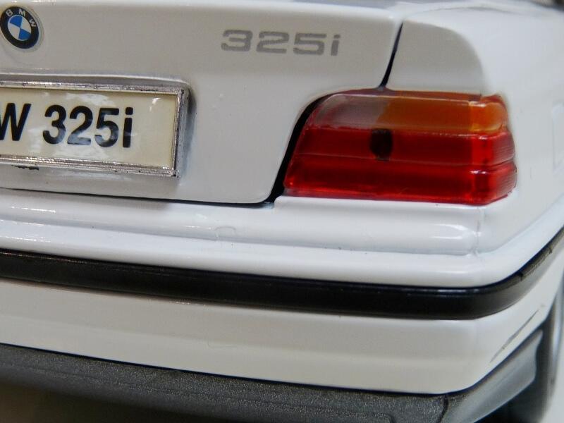 BMW 325i Convertible - 1993 - Maisto 1/18 ème Bmw_3229
