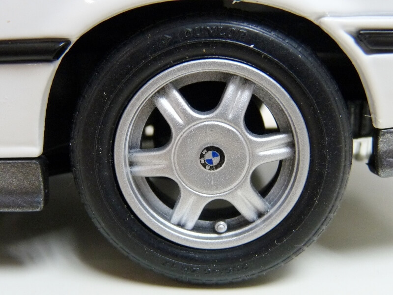 BMW 325i Convertible - 1993 - Maisto 1/18 ème Bmw_3231