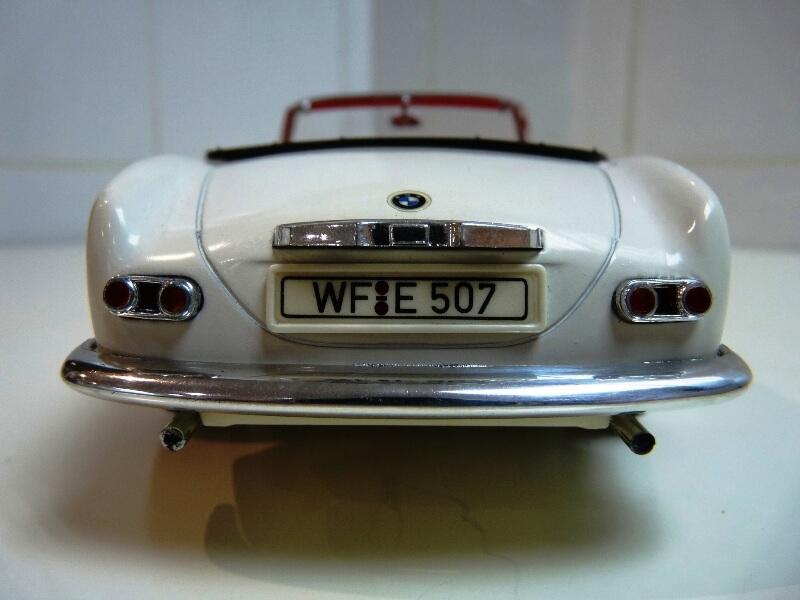 BMW 507 Touring Sport Cabriolet - 1957 - Revell Métal 1/18 ème Bmw_5019
