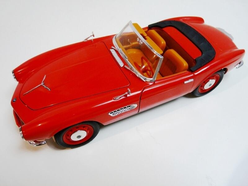 BMW 507 Touring Sport Cabriolet - 1957 - Revell Métal 1/18 ème Bmw_5027