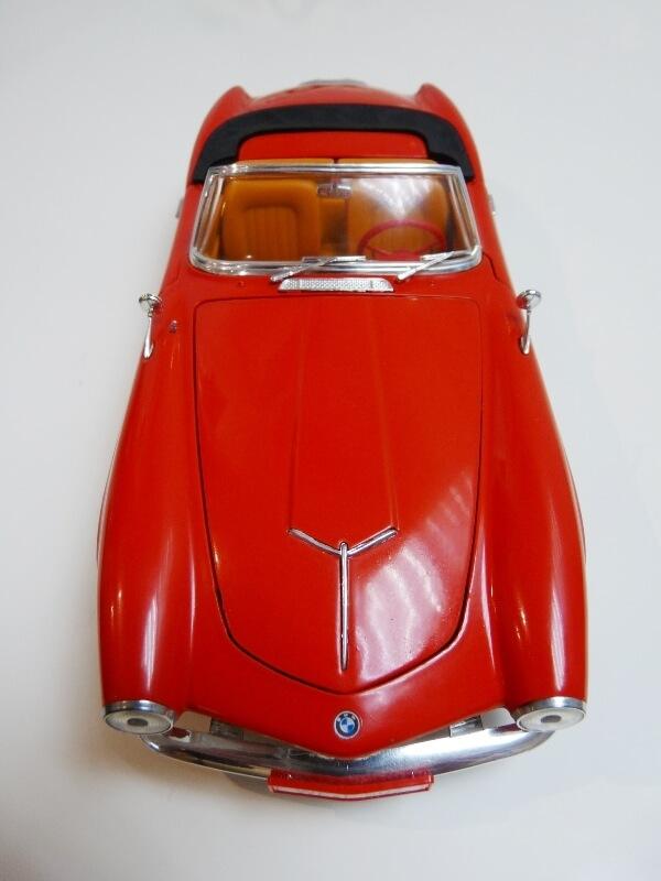 BMW 507 Touring Sport Cabriolet - 1957 - Revell Métal 1/18 ème Bmw_5034