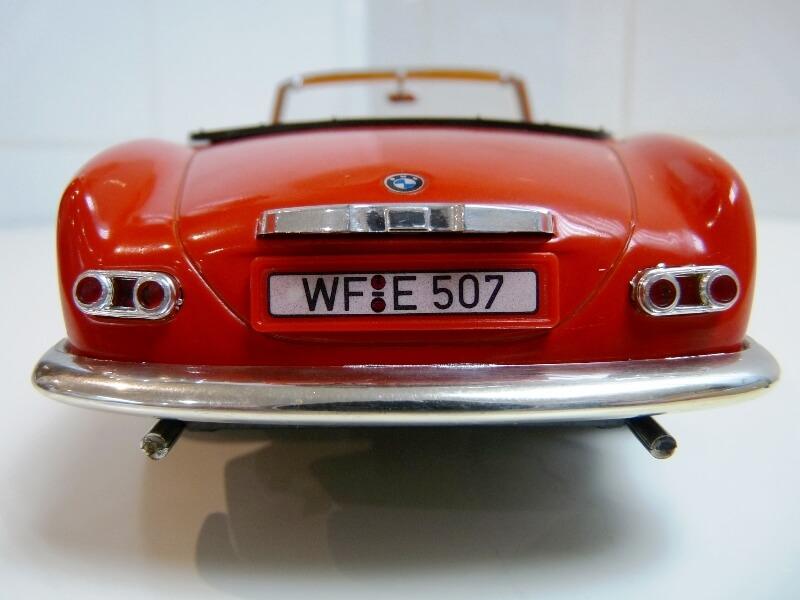 BMW 507 Touring Sport Cabriolet - 1957 - Revell Métal 1/18 ème Bmw_5036