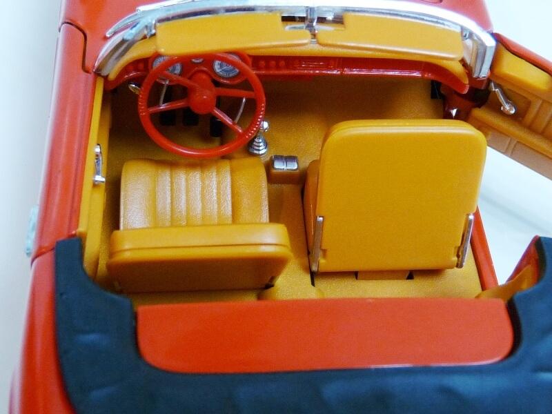 BMW 507 Touring Sport Cabriolet - 1957 - Revell Métal 1/18 ème Bmw_5038
