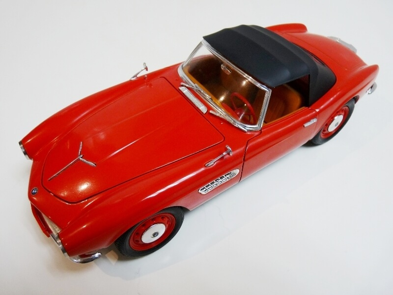BMW 507 Touring Sport Cabriolet - 1957 - Revell Métal 1/18 ème Bmw_5043