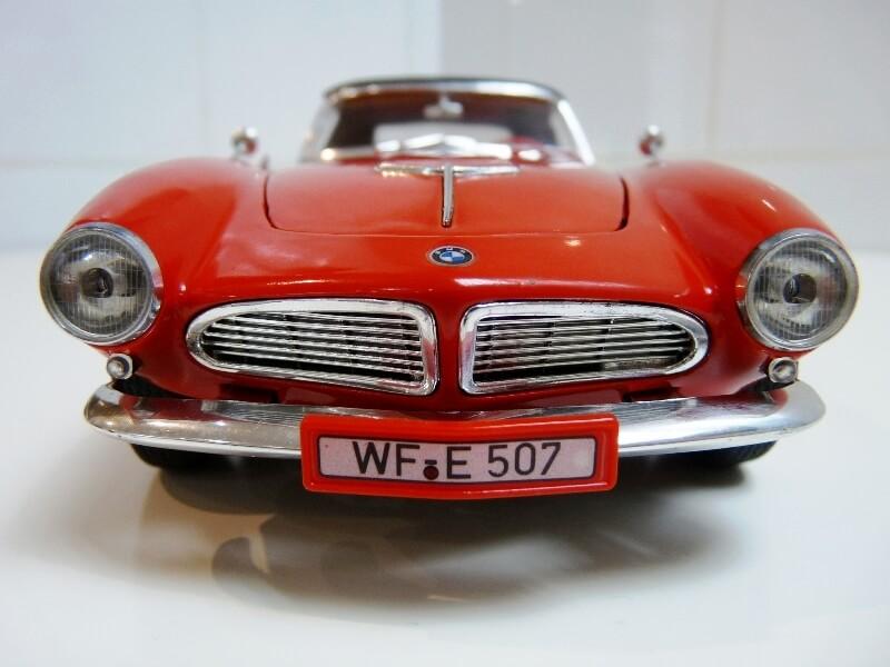 BMW 507 Touring Sport Cabriolet - 1957 - Revell Métal 1/18 ème Bmw_5044