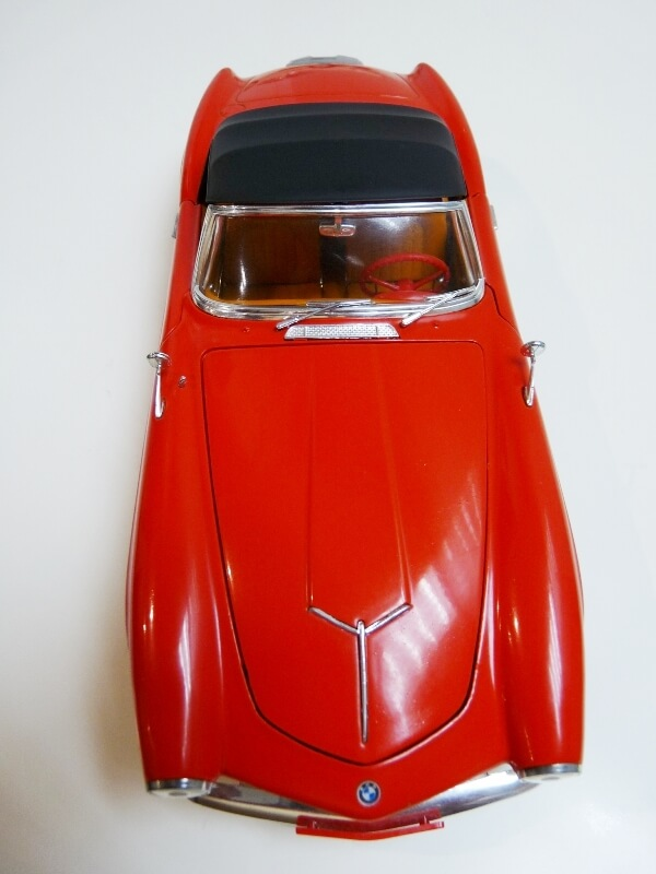BMW 507 Touring Sport Cabriolet - 1957 - Revell Métal 1/18 ème Bmw_5049
