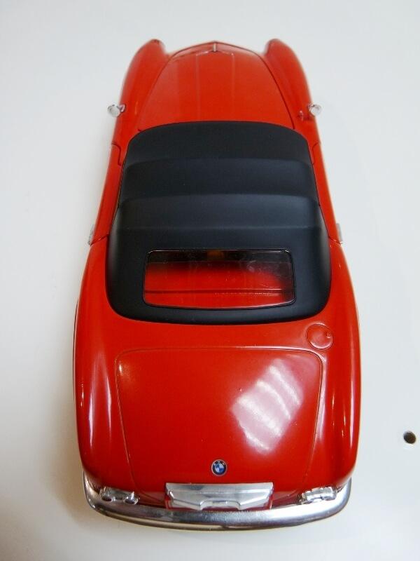 BMW 507 Touring Sport Cabriolet - 1957 - Revell Métal 1/18 ème Bmw_5051