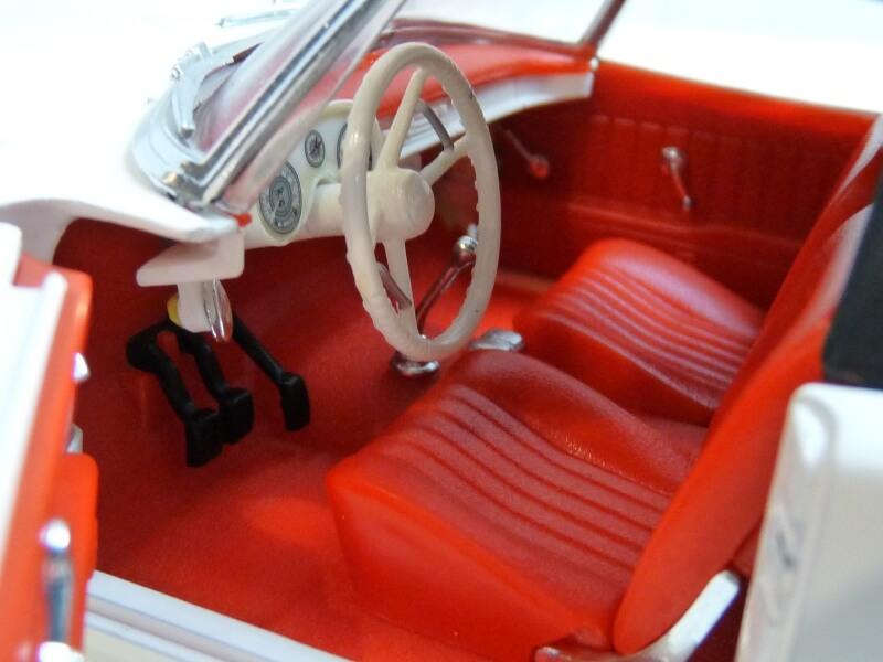 BMW 507 Touring Sport Cabriolet - 1957 - Revell Métal 1/18 ème Bmw_5068