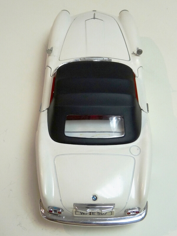 BMW 507 Touring Sport Cabriolet - 1957 - Revell Métal 1/18 ème Bmw_5071