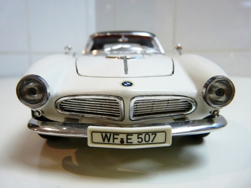 BMW 507 Touring Sport Coupé - 1959 - Revell Métal 1/18 ème Bmw_5074
