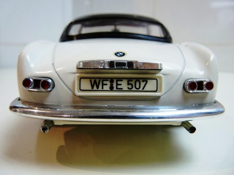 BMW 507 Touring Sport Coupé - 1959 - Revell Métal 1/18 ème Bmw_5078