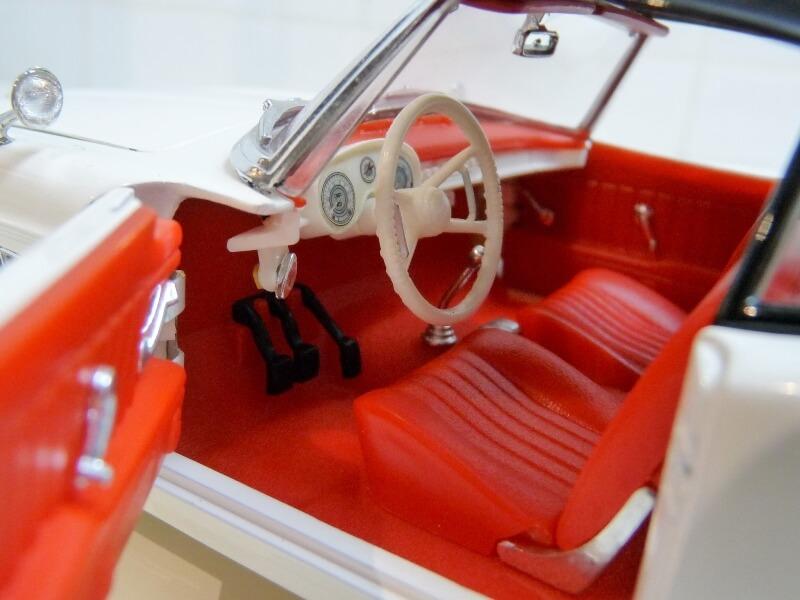 BMW 507 Touring Sport Coupé - 1959 - Revell Métal 1/18 ème Bmw_5084