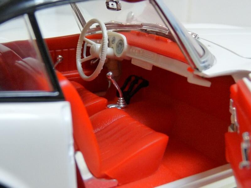 BMW 507 Touring Sport Coupé - 1959 - Revell Métal 1/18 ème Bmw_5085