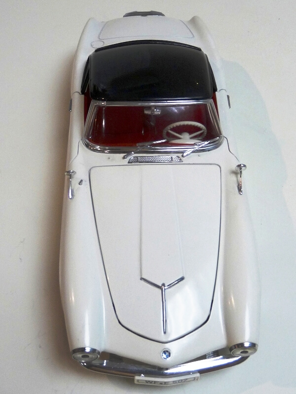 BMW 507 Touring Sport Coupé - 1959 - Revell Métal 1/18 ème Bmw_5087