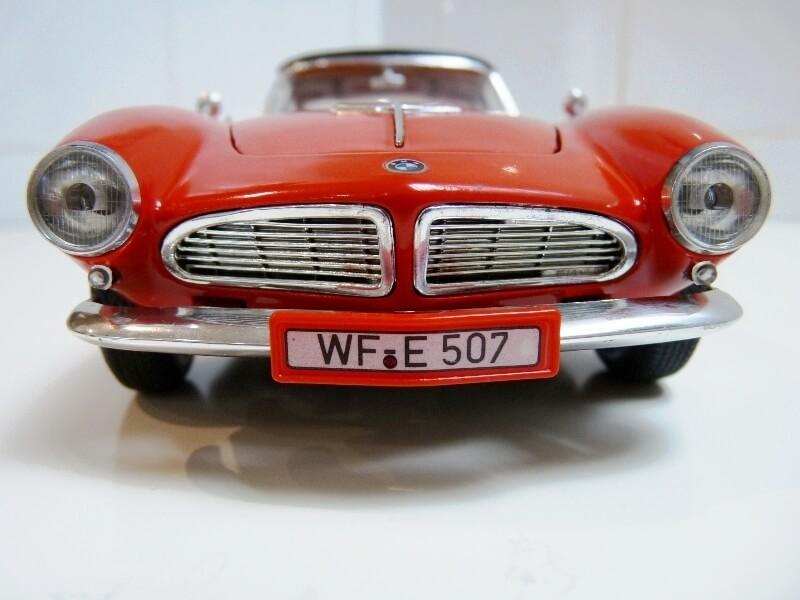 BMW 507 Touring Sport Coupé - 1959 - Revell Métal 1/18 ème Bmw_5090
