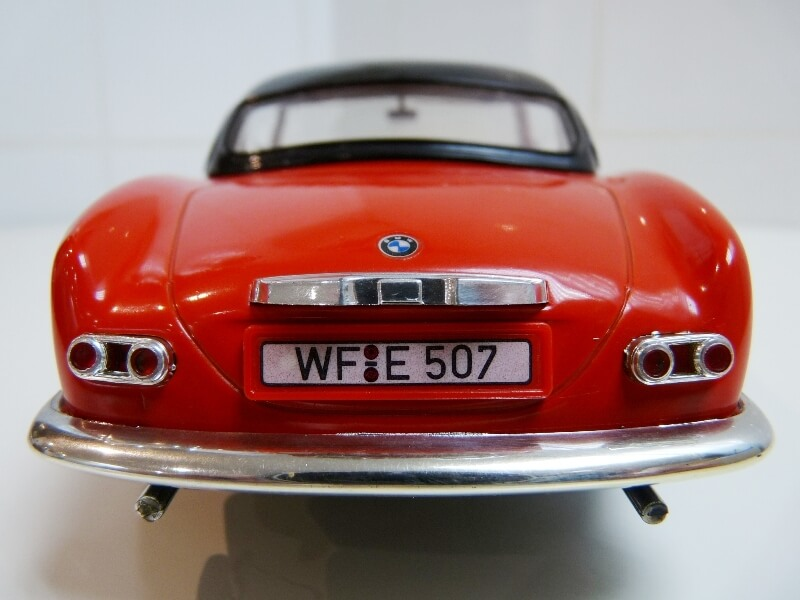 BMW 507 Touring Sport Coupé - 1959 - Revell Métal 1/18 ème Bmw_5091