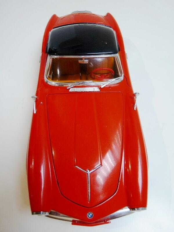 BMW 507 Touring Sport Coupé - 1959 - Revell Métal 1/18 ème Bmw_5101
