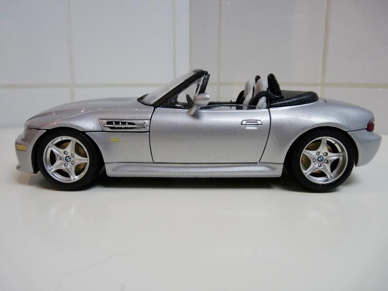 BMW MIII Roadster - 1996 - BBurago 1/18 ème Bmw_mi12