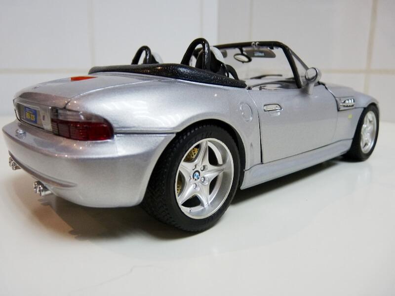 BMW MIII Roadster - 1996 - BBurago 1/18 ème Bmw_mi19