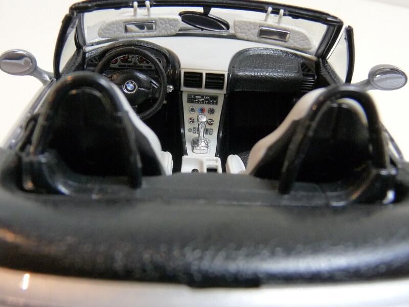 BMW MIII Roadster - 1996 - BBurago 1/18 ème Bmw_mi30