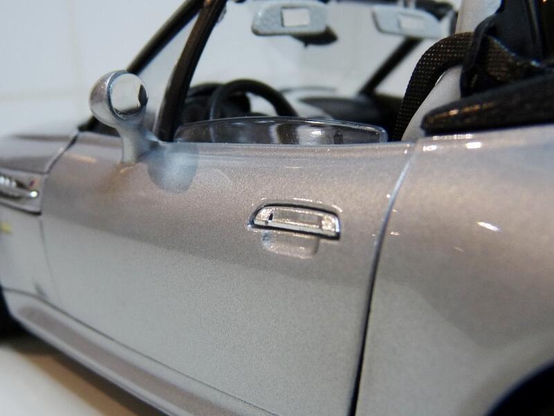 BMW MIII Roadster - 1996 - BBurago 1/18 ème Bmw_mi41