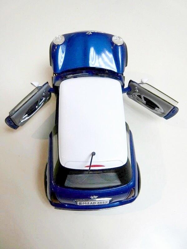 BMW New Mini - 2000 - Solido 1/18 ème Bmw_ne15