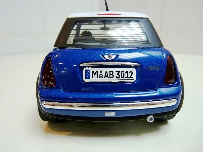 BMW New Mini - 2000 - Solido 1/18 ème Bmw_ne16
