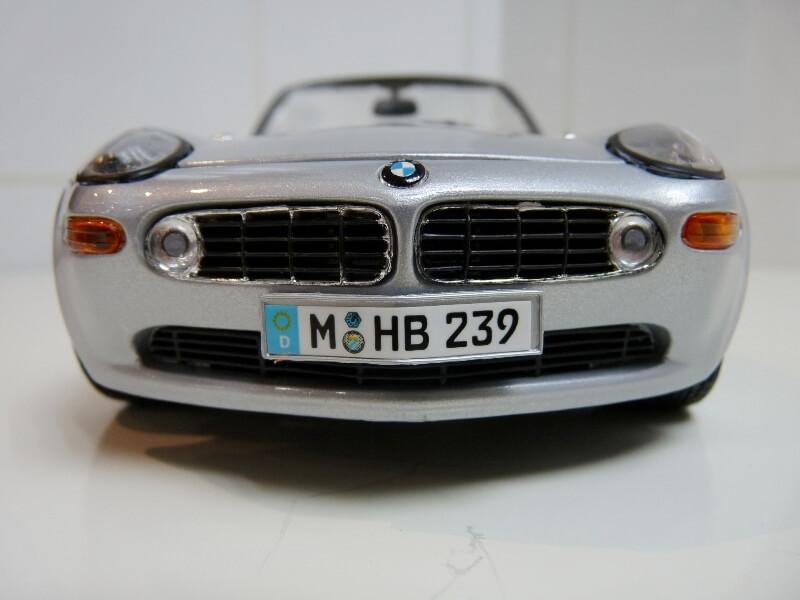 BMW Z8 - 2000 - Maisto 1/18 ème Bmw_z810