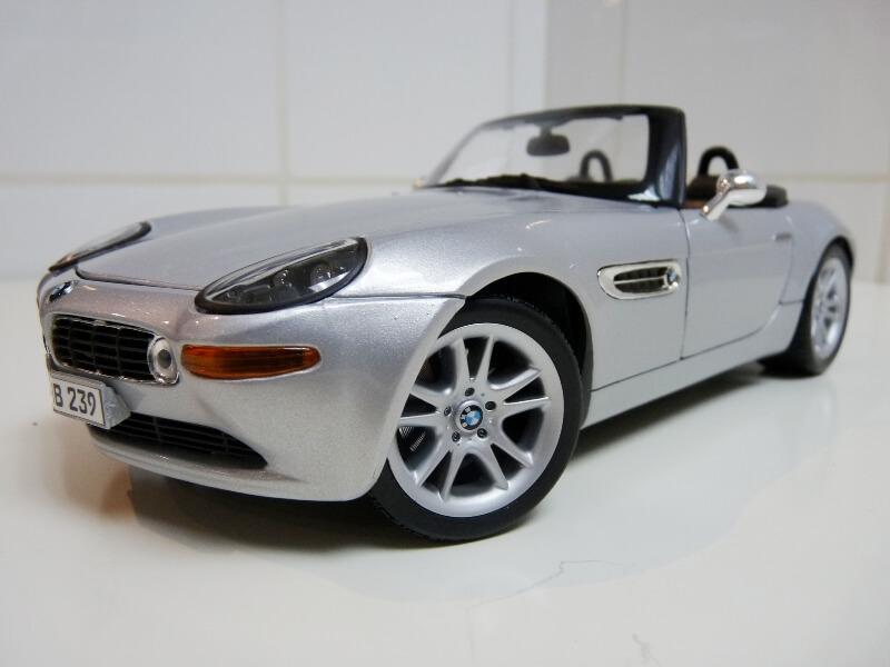 BMW Z8 - 2000 - Maisto 1/18 ème Bmw_z812