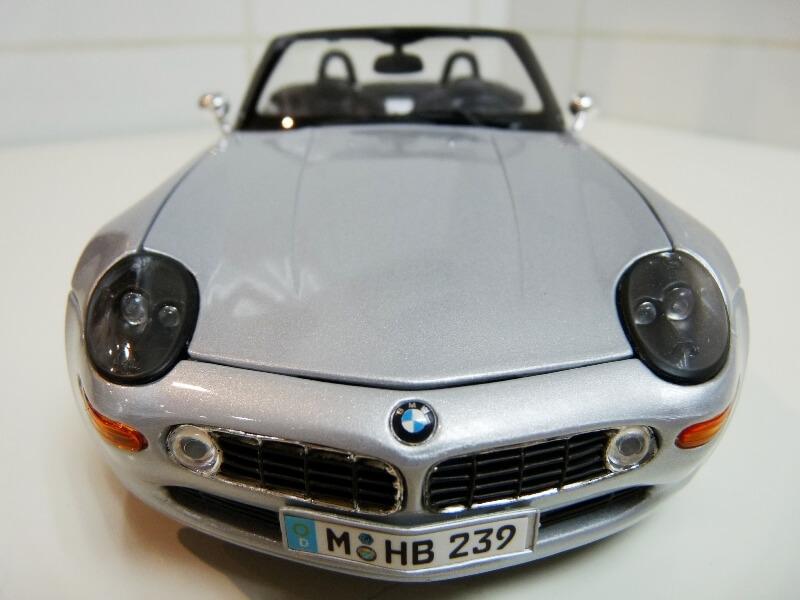 BMW Z8 - 2000 - Maisto 1/18 ème Bmw_z814