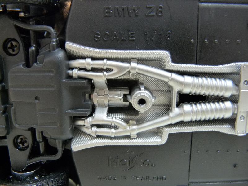 BMW Z8 - 2000 - Maisto 1/18 ème Bmw_z817