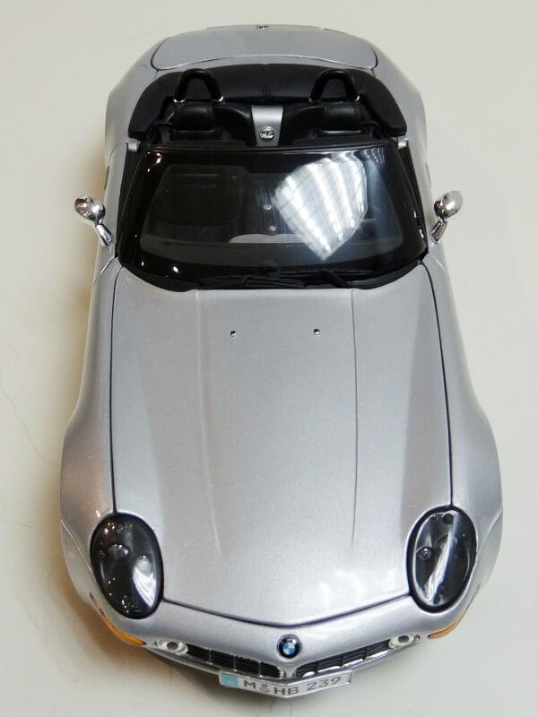 BMW Z8 - 2000 - Maisto 1/18 ème Bmw_z820