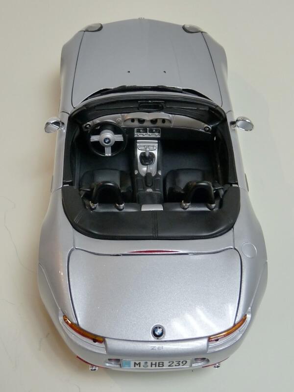 BMW Z8 - 2000 - Maisto 1/18 ème Bmw_z821