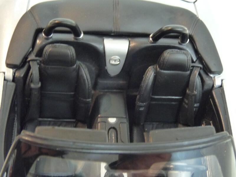 BMW Z8 - 2000 - Maisto 1/18 ème Bmw_z825