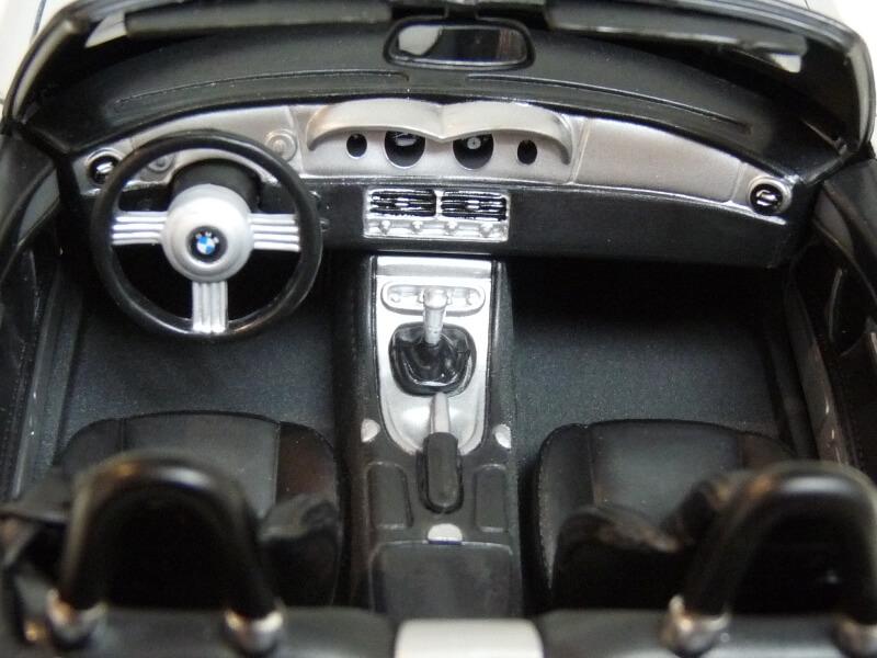 BMW Z8 - 2000 - Maisto 1/18 ème Bmw_z826