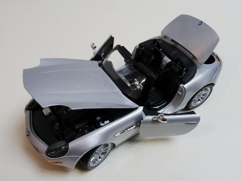 BMW Z8 - 2000 - Maisto 1/18 ème Bmw_z829