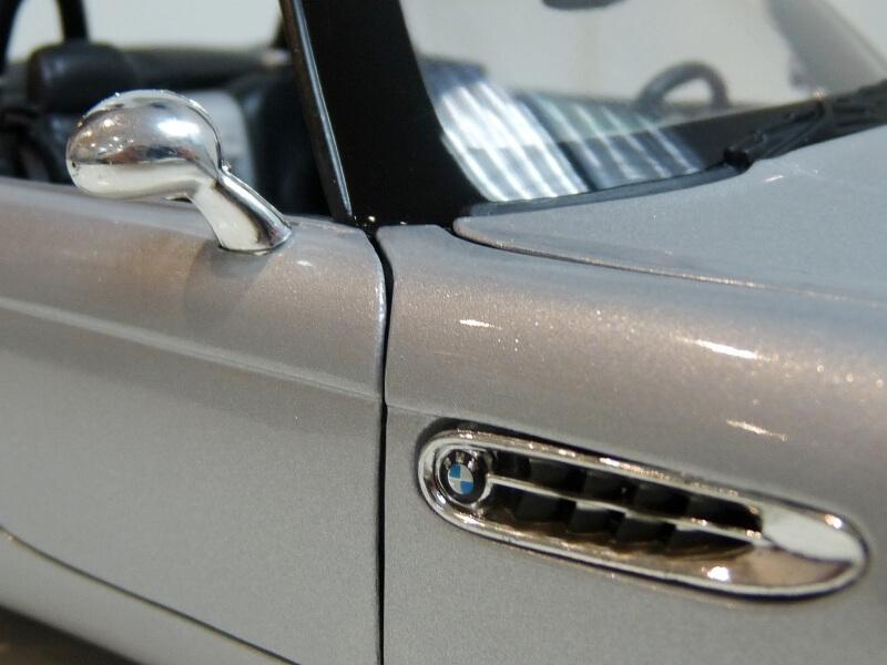 BMW Z8 - 2000 - Maisto 1/18 ème Bmw_z832