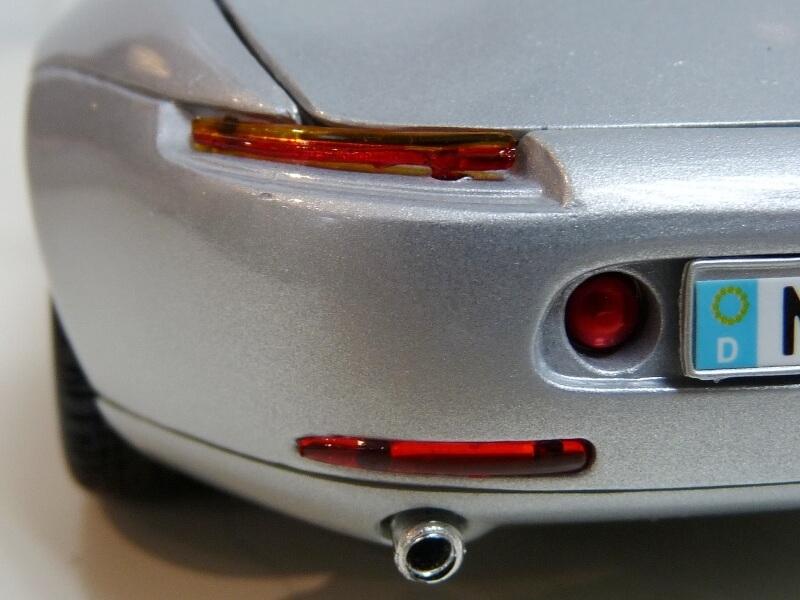 BMW Z8 - 2000 - Maisto 1/18 ème Bmw_z833