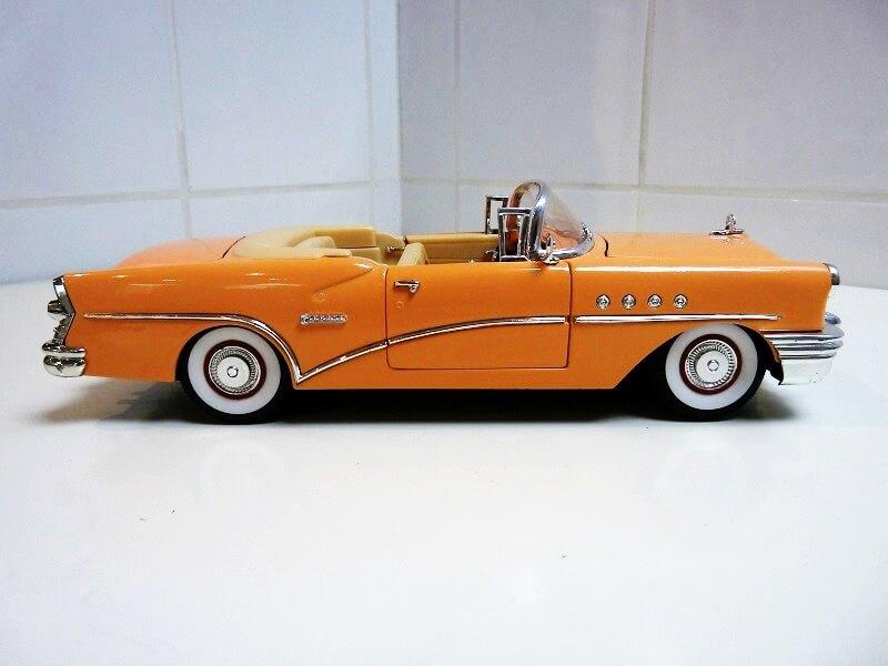 Buick Century - 1955 - Solido 1/18 ème Buick_13