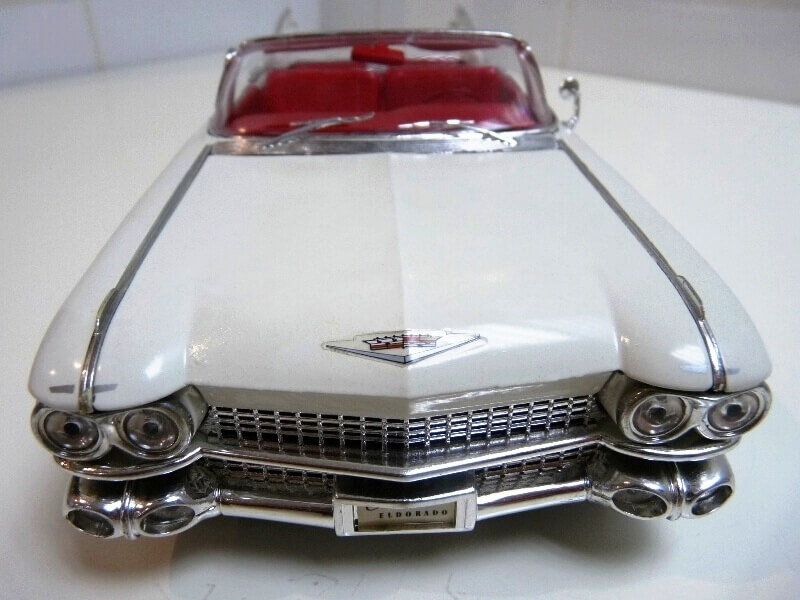 Cadillac Eldorado Biarritz - 1959 - Maisto 1/18 ème Cadeld19