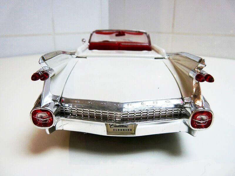 Cadillac Eldorado Biarritz - 1959 - Maisto 1/18 ème Cadeld20
