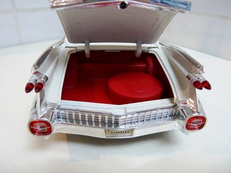 Cadillac Eldorado Biarritz - 1959 - Maisto 1/18 ème Cadeld32