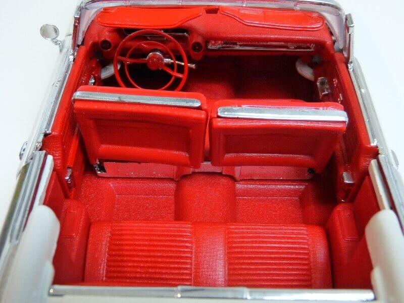 Cadillac Eldorado Biarritz - 1959 - Maisto 1/18 ème Cadeld39