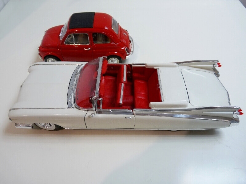 Cadillac Eldorado Biarritz - 1959 - Maisto 1/18 ème Cadeld42