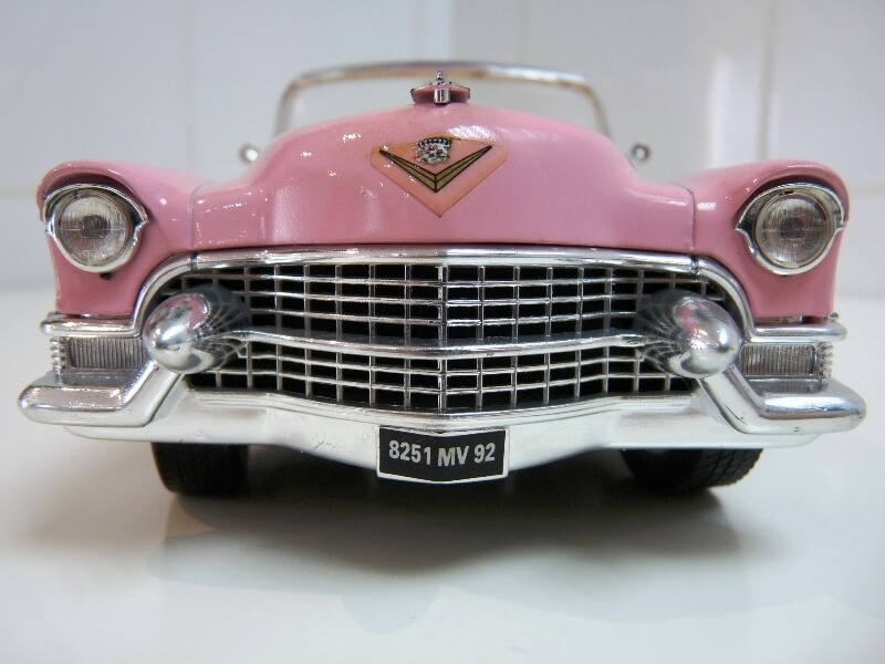 """Cadillac Eldorado """"Pink Cadillac"""" - 1955 - Solido 1/21,5 ème Cadill12"""