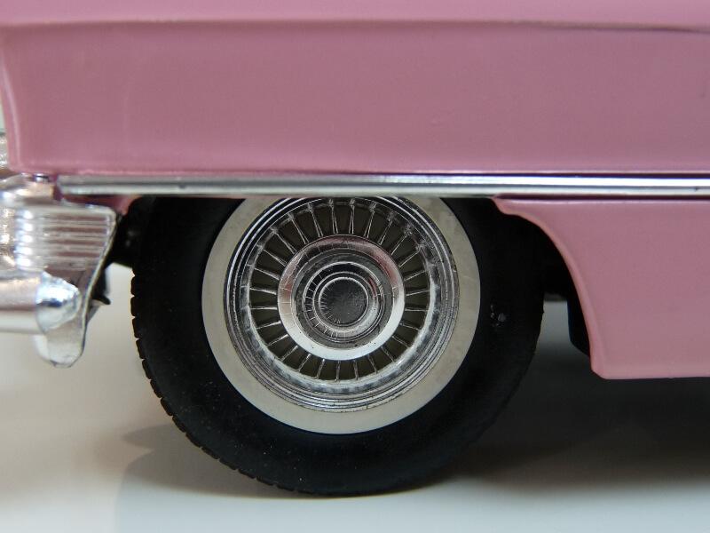 """Cadillac Eldorado """"Pink Cadillac"""" - 1955 - Solido 1/21,5 ème Cadill22"""