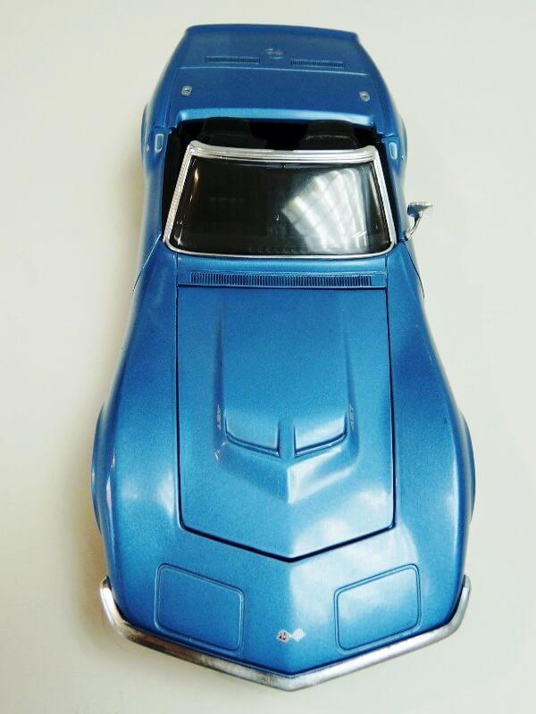 Chevrolet Corvette Stingray- 1969 - Revell Métal 1/18 ème Checor17