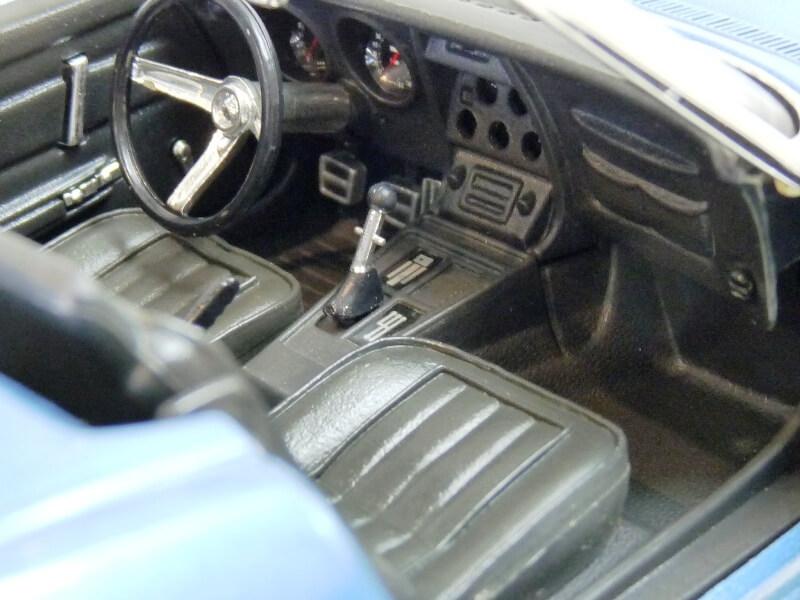 Chevrolet Corvette Stingray- 1969 - Revell Métal 1/18 ème Checor23